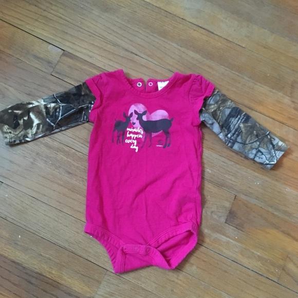 96f96d280 Camo wear - 9 months